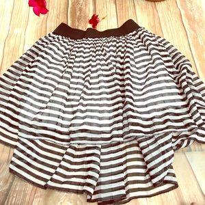 Zinger lined high low twirl skirt!! Size medium